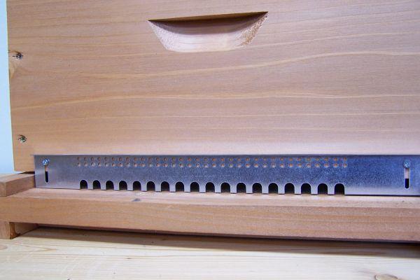 Fluglochblech 11er Normalmaß Holzbeute lasiert