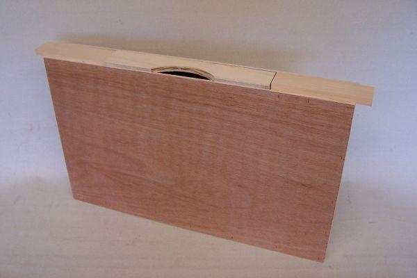 Futtertasche mit Aufstiegshilfe, einfache Wabenbreite aus Holz