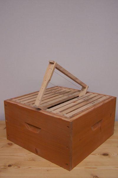 Zarge 11er Normalmaß Holzbeute lasiert